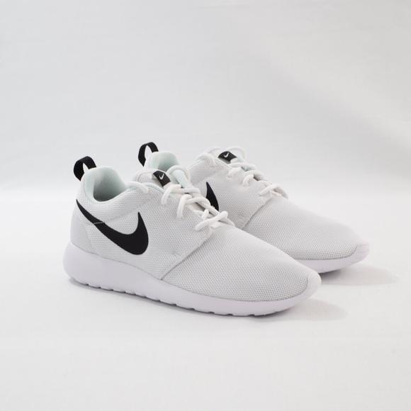 24b63e22cd524 Nike Shoes | Roshe One Wmns | Poshmark